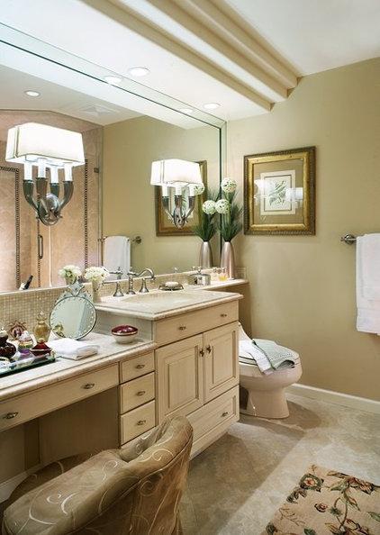 Eclectic Bathroom by KARLA TRINCANELLO-CID - INTERIOR DECISIONS, INC.