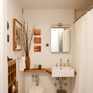 Bathroom - eclectic bathroom idea in New York