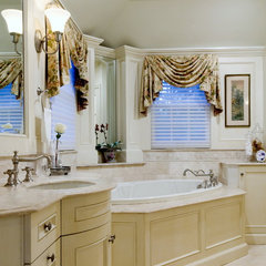 traditional bathroom by Kingsley Belcher Knauss, ASID