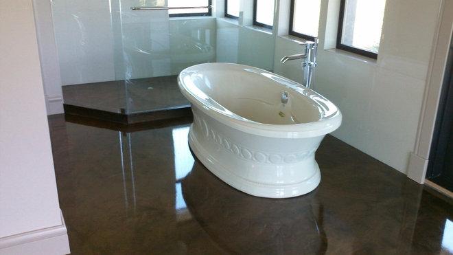 Traditional Bathroom by Elite Crete Systems Canada