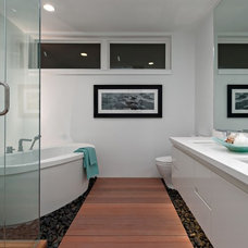 Contemporary Bathroom by Positive Space Staging and Design Inc.