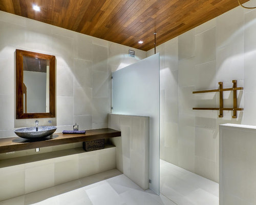 Contemporary Bathroom In Brisbane With A Curbless Shower And A Vessel Sink.