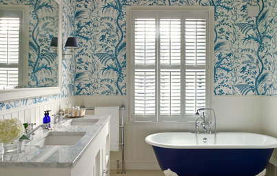 25 Ways to Work Wallpaper in a Bathroom