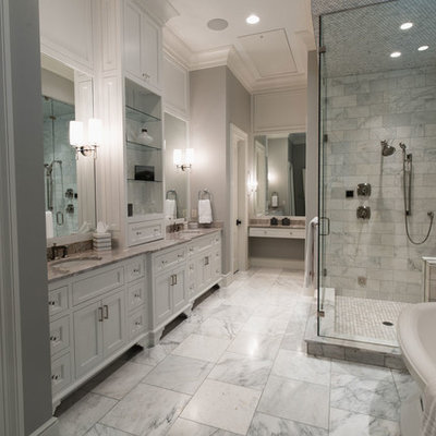 Example of a mountain style bathroom design in Other