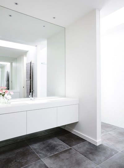 Houzz Tour: A Modern Rejig Solves the Challenge of a Tricky Site on