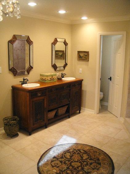Traditional Bathroom kgrahi