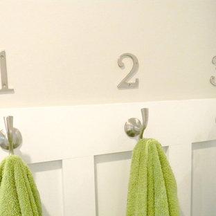 Bathroom - traditional bathroom idea in Richmond