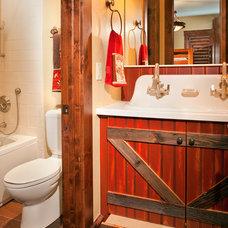 Traditional Bathroom by Studio 10 Interior Design
