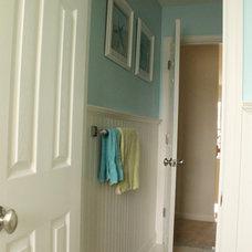 Tropical Bathroom Kids/Hall Bathroom