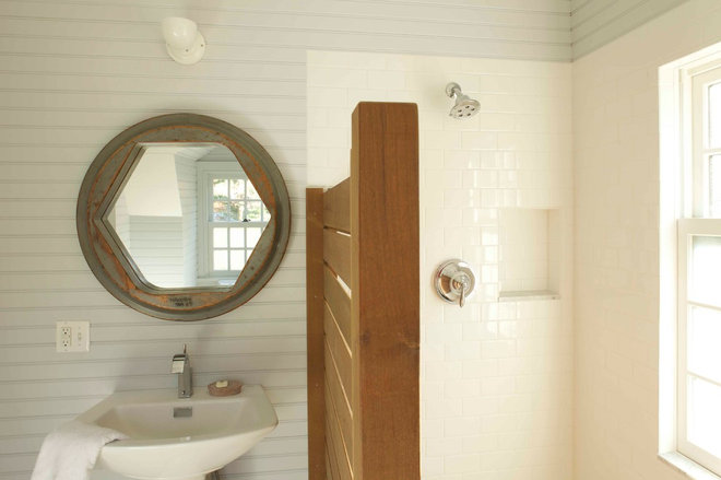 farmhouse bathroom by JAMES DIXON ARCHITECT PC