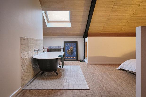 Traditional Bathroom by MCAS - Max Capocaccia Architecture Studio