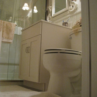 Example of a classic bathroom design in New York