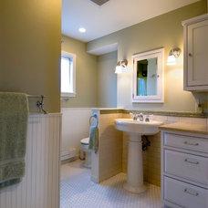 Traditional Bathroom by Satterberg Desonier Dumo Interior Design, Inc.