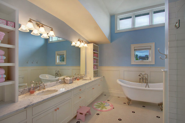Traditional Bathroom by RW Anderson Homes