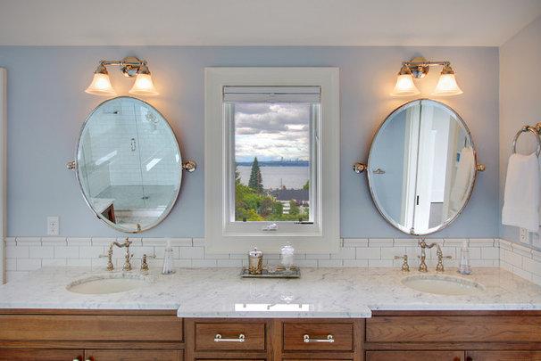 Farmhouse Bathroom by RW Anderson Homes