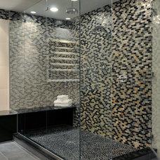 Contemporary Bathroom by Kitchen Designs by Ken Kelly, Inc. (CKD, CBD, CR)