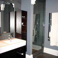 Modern Bathroom by Rebekah Zaveloff | KitchenLab