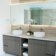 Modern Bathroom by Laboratory for Sustainable Design