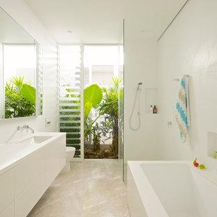 Réalisation d'une salle de bain ethnique.