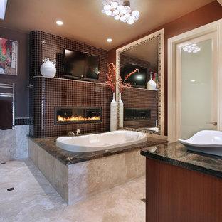 オレンジカウンティのコンテンポラリースタイルのおしゃれな浴室 (ベッセル式洗面器) の写真