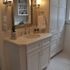 Traditional Bathroom by Kitchen & Bath Design by Acadian House