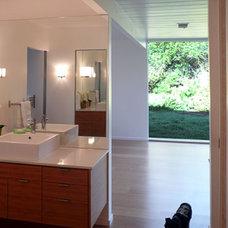 Midcentury Bathroom by Klopf Architecture