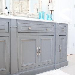 Birmingham Turquoise Cabinet Finish Bathroom Design Ideas
