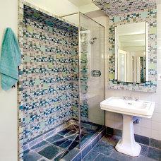Contemporary Bathroom by Leo J. Blackman Architects