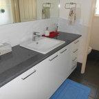 Guest Bathroom - Modern - Bathroom - Sydney - by MINOSA