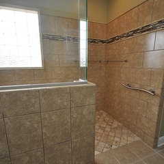 traditional bathroom by Splash Galleries, Inc.