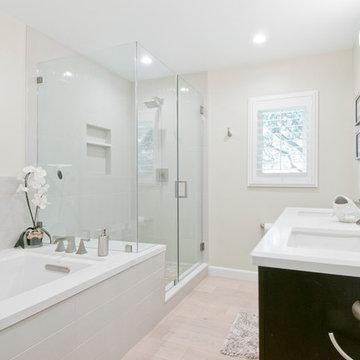 La Canada Flintridge, Bathroom