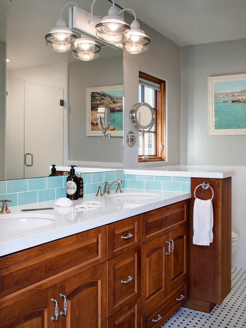 Salle de bain bord de mer avec un mur gris photos et - Salle de bain bord de mer ...
