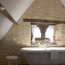 Rustic Bathroom by Stephmodo