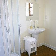 Rustic Bathroom by Stephmodo