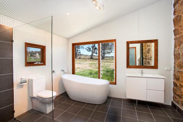 Industrial Bathroom by Sandberg Schoffel Architects