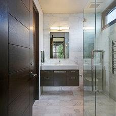 Tropical Bathroom by GARY FINLEY, ASID