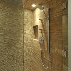 Bathroom by Lake Country Builders