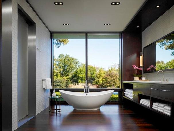 Modern Bathroom by Jessica Lagrange Interiors
