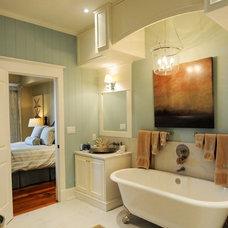 Rustic Bathroom by Kris Brigden Design Co., North Muskoka House Ltd.