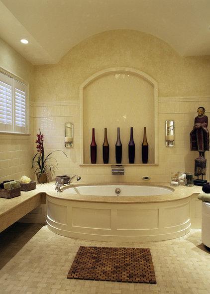 Traditional Bathroom by Siemasko + Verbridge