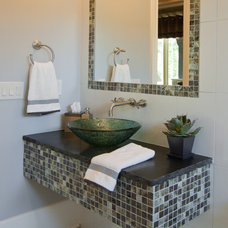 Eclectic Bathroom by KDH Residential Designs