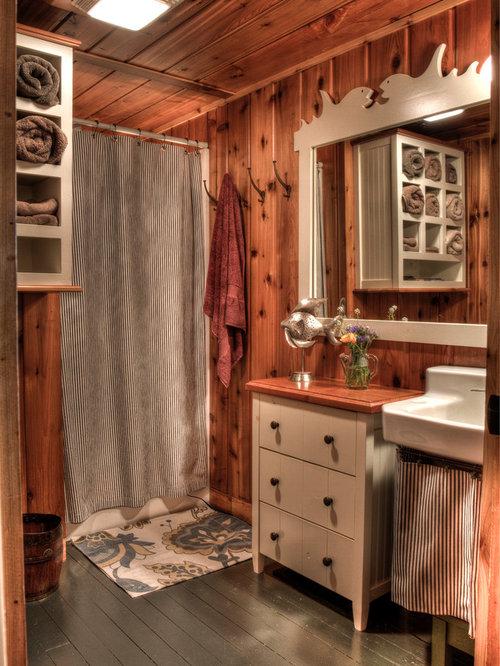 Old Fashioned Bathroom | Houzz