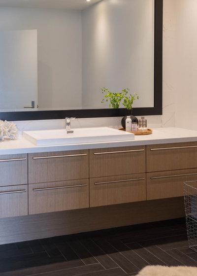 Scandinavian Bathroom by Shirley Meisels
