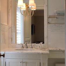 Traditional Bathroom by Home Concepts Canada Interior Design Inc.