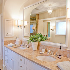 Traditional Bathroom by English Heritage Homes of Texas
