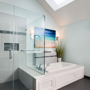 Large shower and Jacuzzi Tub