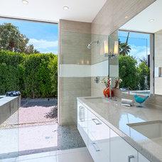 Modern Bathroom by H3K Design