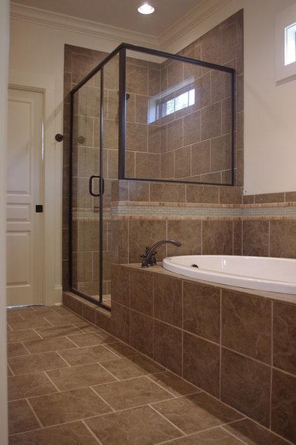 Traditional Bathroom by Homeworks of Alabama, Inc
