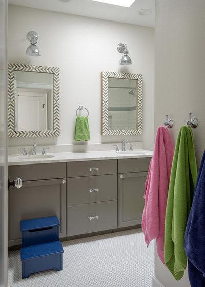 Fusion Bathroom by RW Anderson Homes