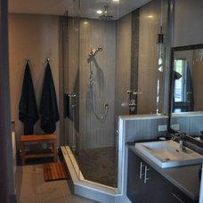 Contemporary Bathroom by Mazekia